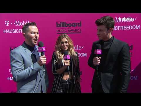 Shawn Mendes Magenta Carpet Interview -...