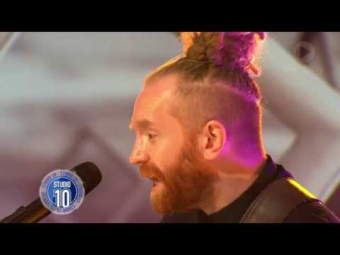 Newton Faulkner Performs 'Dream Catch Me' | Studio 10