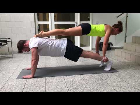 "Firmenfitness: ""Partner-Push-up Pyramide"""