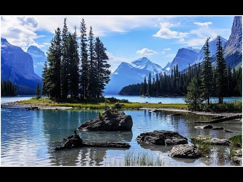 Maligne Lake Spirit Island Cruise - Jasper National Park