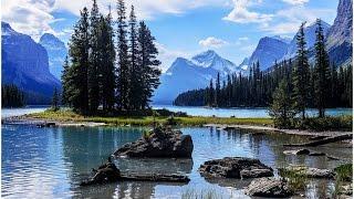 Maligne Lake Spirit Island Cruise  Jasper National Park