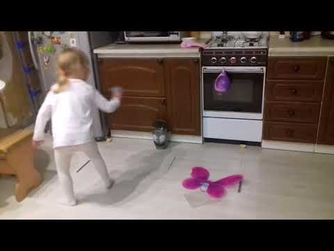 Детское видео: Лиза и бешеная мусорка (Lisa And Mad Trashcan)