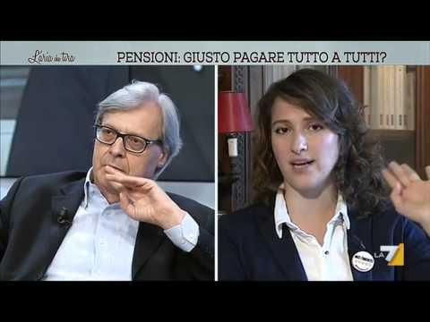 Salvatore (M5S) vs Sgarbi: 'Lei condannato col vitalizio'; 'Zitta cretina, studia, capra ignorante!'