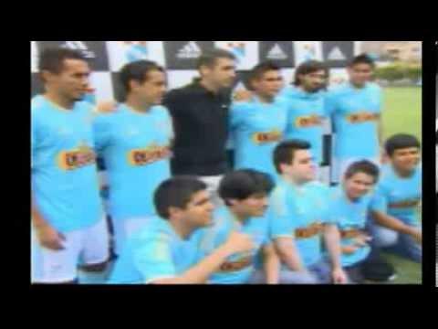 Presentación de la nueva camiseta de Sporting Cristal