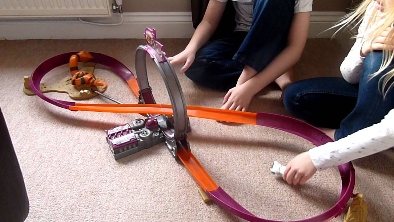 hot wheels loop the loop snake serpent youtube. Black Bedroom Furniture Sets. Home Design Ideas
