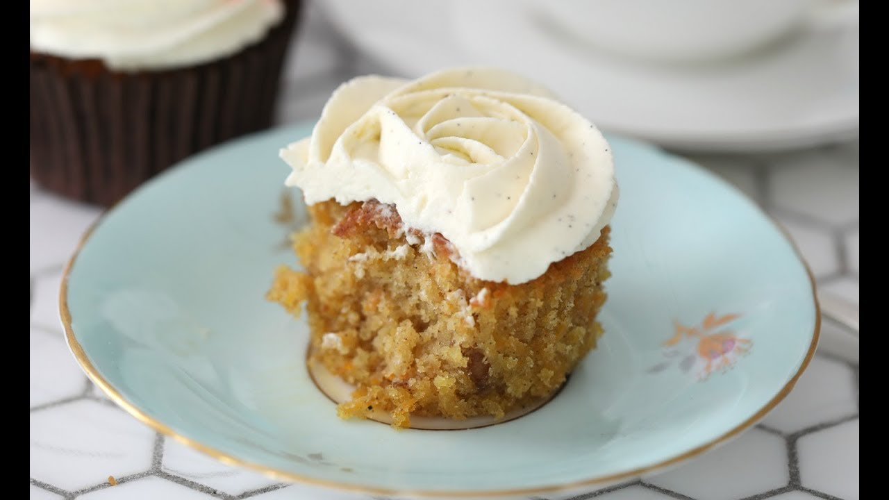 Moist Carrot Cupcake With Vanilla Frosting Youtube