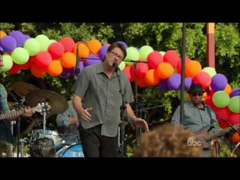 """Modern Family """"I Want To Know What Love Is"""" Scene"""