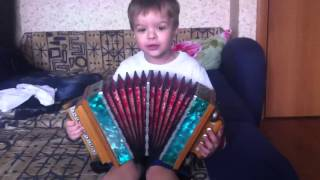 Саша Бутусов (4 года) играет на Саратовской гармошке и поет!(, 2014-04-06T07:43:28.000Z)