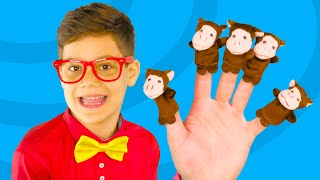 Five Little Monkeys Jumping On The Bed Nursery Rhyme for children | Baby Kids Song TV