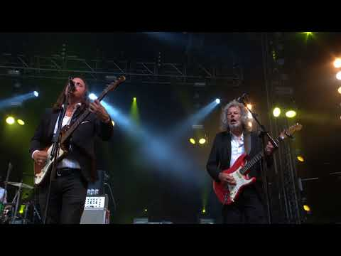The Pretty Things performing Balloon Burning live at The Isle of Wight Festival 2018