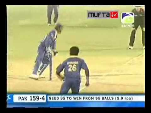 Razzaq and Malik seals the victory for Pakistan against SL