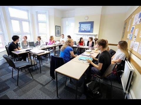 Урок английского в школе в Лондоне - как писать формальное письмо