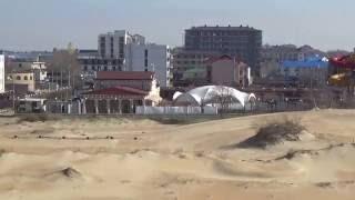 Курортный посёлок Витязево. Песчаный пляж(Витязево — курортный посёлок, расположенный в 11 км от Анапы, славится своими песчаными пляжами. Видео от..., 2015-04-12T05:40:08.000Z)