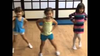 Фитнес для детей 3-5 лет(Учим базовые шаги аэробики upgradefitness.com.ua., 2015-10-29T07:47:14.000Z)