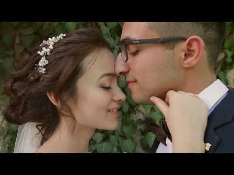 Он целует ноги жене и ее любовнику