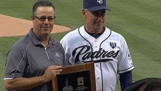 LAD@SD: Greg Maddux is honored in San Diego