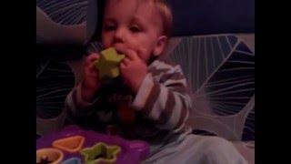 Видео обзор музыкальной игрушки куб сортер