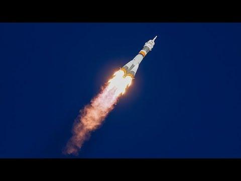 Falha no motor do foguetão Soyuz que transportava dois astronautas