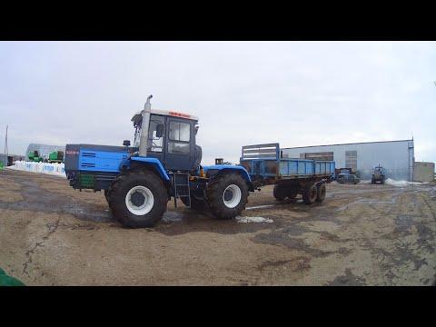 Чеченский бандит Тракторист начищает кран в камере