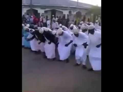 رقص كوميدي تشادي جماعي على إيقاع الشعبي المغربي thumbnail