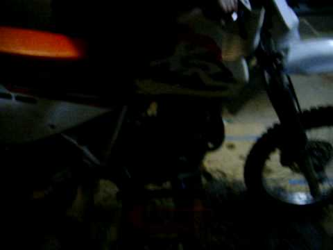 Video of 1998 XR600R Engine We are parting out. WWW.MOTORECYCLER.COM