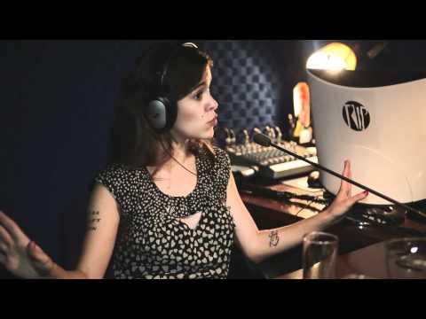 Sophia Reis No Trip FM