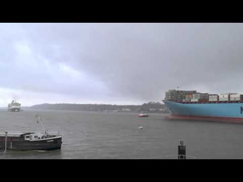 Emma Maersk trifft Balmoral