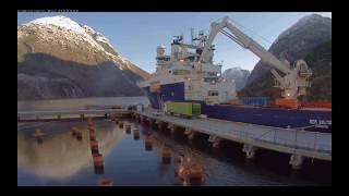 Nach der Winterpause - ein neues Schiff in Hellesylt
