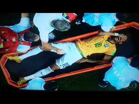 Zuniga batendo em Hulk e Neymar