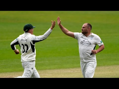 Leach shines as Pears dominate, Northants v Worcs, Day Two