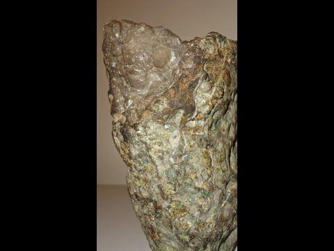Kimberlite in diamonds Natural 01