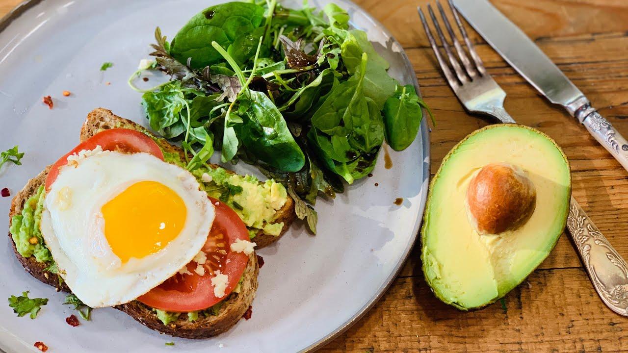 ავოკადოს ტოსტი – ამერიკული საუზმე | მარი კუბლაშვილი