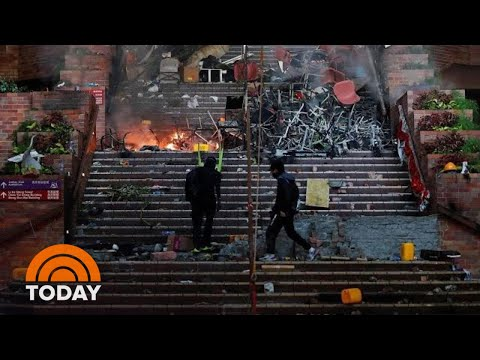 hong-kong-police-standoff-with-student-protesters-enters-4th-day-|-today