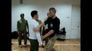 Systema Colonel Alexander Maksimtsov. Загиб руки за спину, обыск. конвоирование.(, 2013-04-23T08:45:47.000Z)