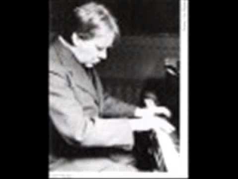Edwin Fischer plays Haendel Chaconne in G