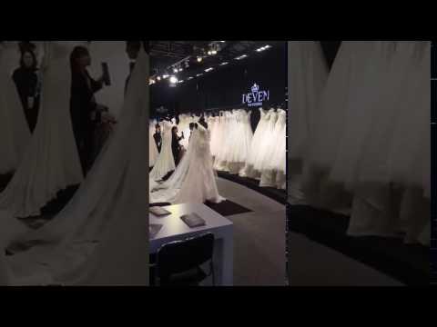 Knightly wedding dress in 2017 Shanghai Wedding Expo 1