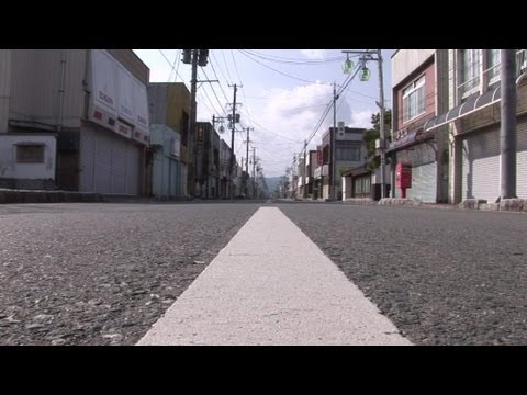 reportage fukushima les habitants de la zone interdite 10 03 youtube. Black Bedroom Furniture Sets. Home Design Ideas
