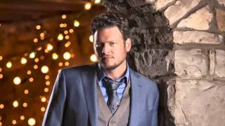 Watch Blake Shelton Winter Wonderland video
