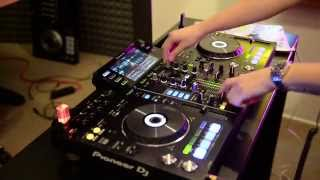 Alex Moreno testing out the new Pioneer XDJ-RX controller thumbnail