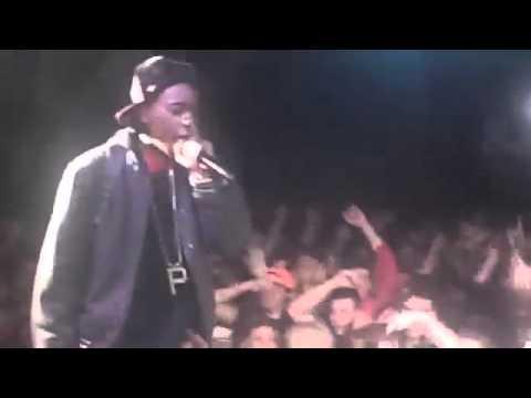 Download Wiz Khalifa- Performing a new *hit*