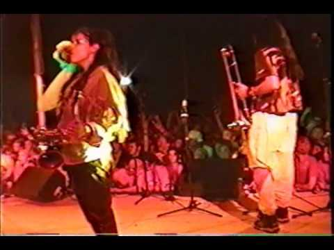 Five Iron Frenzy - One girl army (live cornerstone 99)