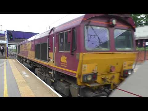 (HD) Trains at West Hampstead Thameslink - 9/5/17 including Class 319's.