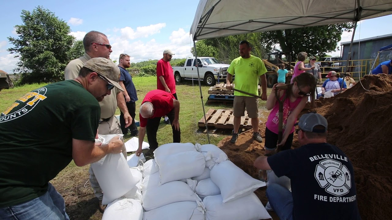State leaders survey flooding