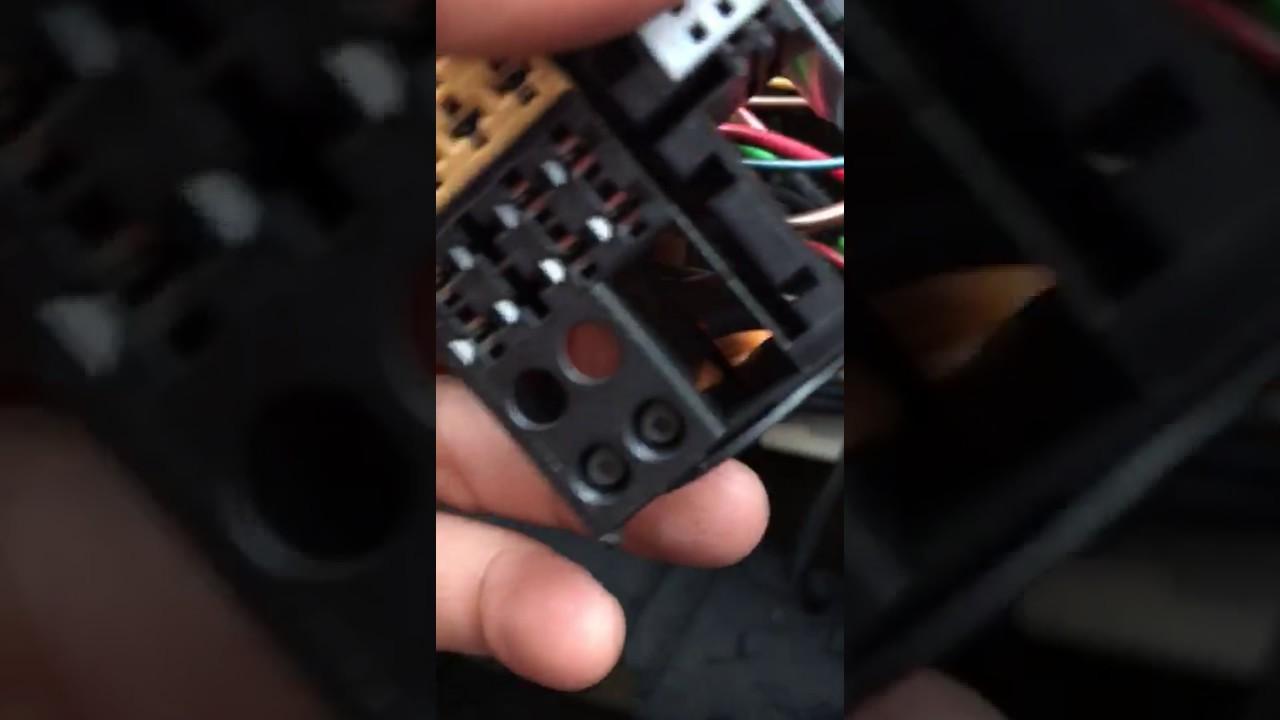 medium resolution of mercedes c220 2006 stereo wiring youtube mercedes c220 2006 stereo wiring