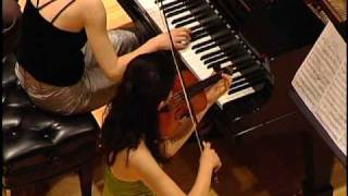 Play Sonata for violin & piano No. 3 in E flat major, Op. 12/3