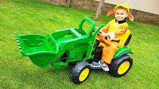 Funny Baby Unboxing And Assembling The POWER Wheel Ride On New Tractor Excavator Щенячий Патруль