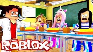 ROBLOX LITTLE CLUB GIRLS GET DETENTION IN SCHOOL! w/ LITTLE KELLY & LITTLE CARLY