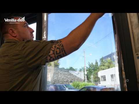 Pose De Film Solaire Adhesif Miroir Sans Tain Sur Fenetre Youtube