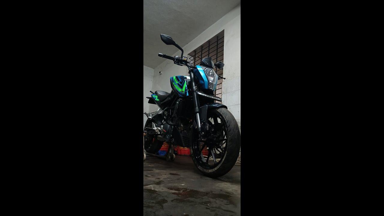 MM93 KTM Duke 390 CHAMELION  Wrapped