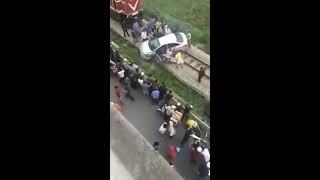 Hải Dương: Tai nạn kinh hoàng tàu hỏa đâm ô tô tại cầu vượt 789